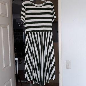 Striped olive green & white jersey dress! NWT! XL